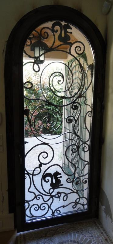Porte-dentree-vitree-plus-grille-11