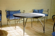 Table-chaises-metal-mosaique-1